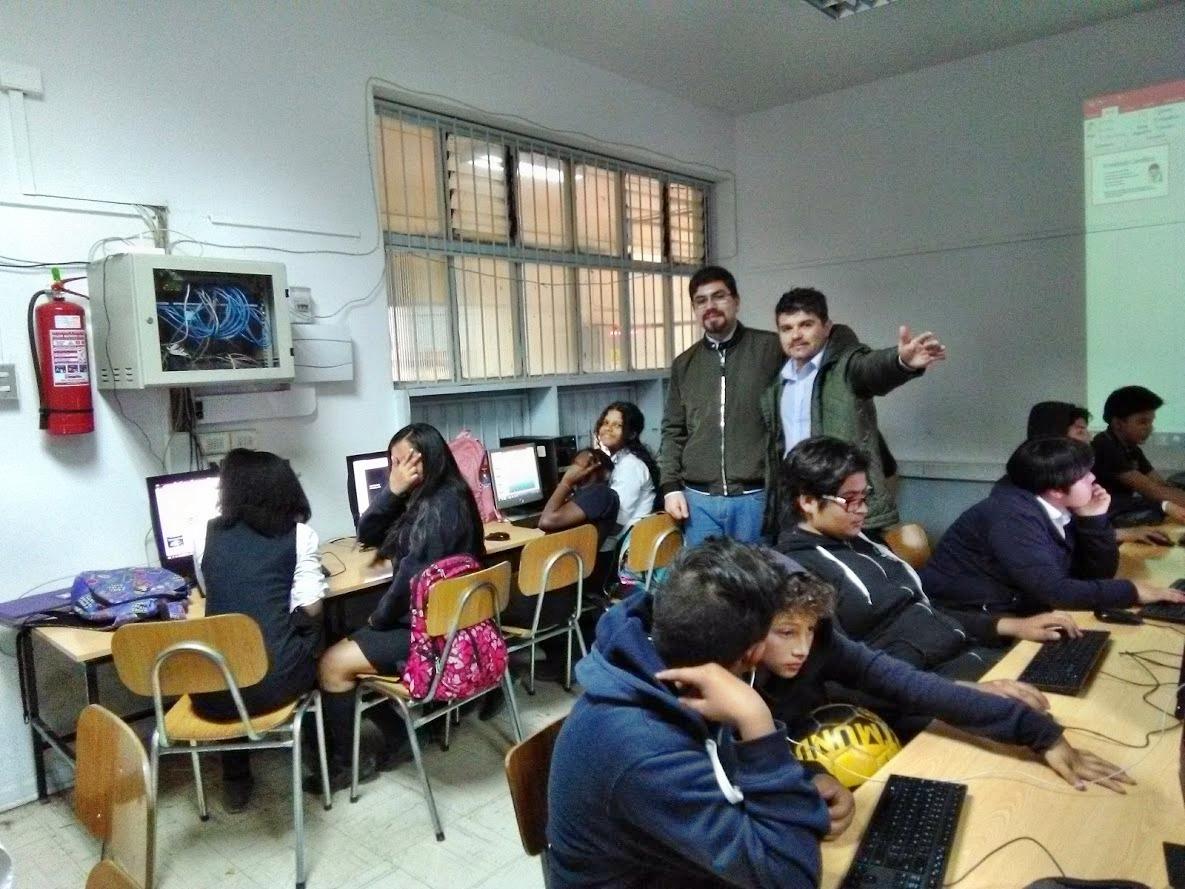 Laboratorio de enlaces: Trabajo interdisciplinario Con el profesor Luis Fuentes y 8° básico.