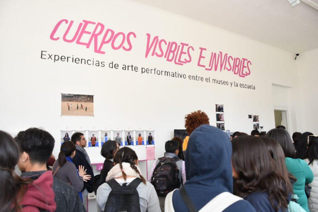 ALUMNOS DEL LICEO GABRIELA MISTRAL EXPONEN EN MUSEO DE ARTE CONTEMPORÁNEO.
